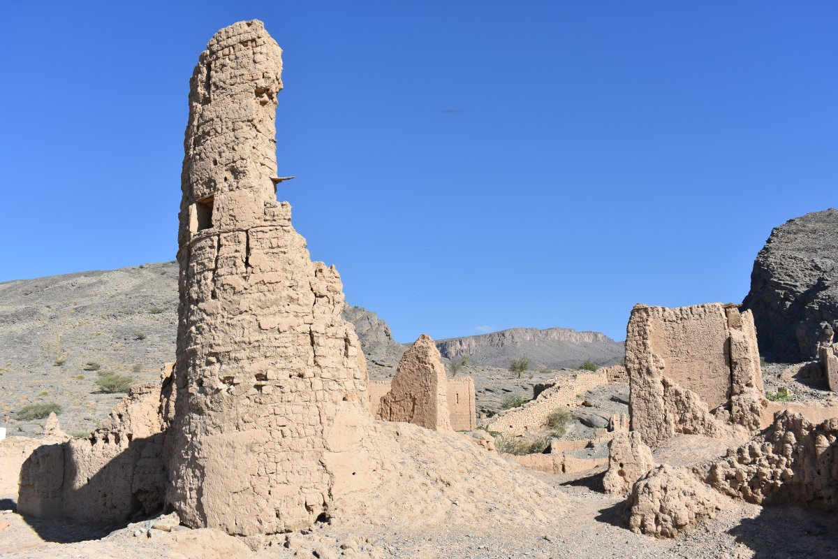 Tanuf Ruins - the old minaret